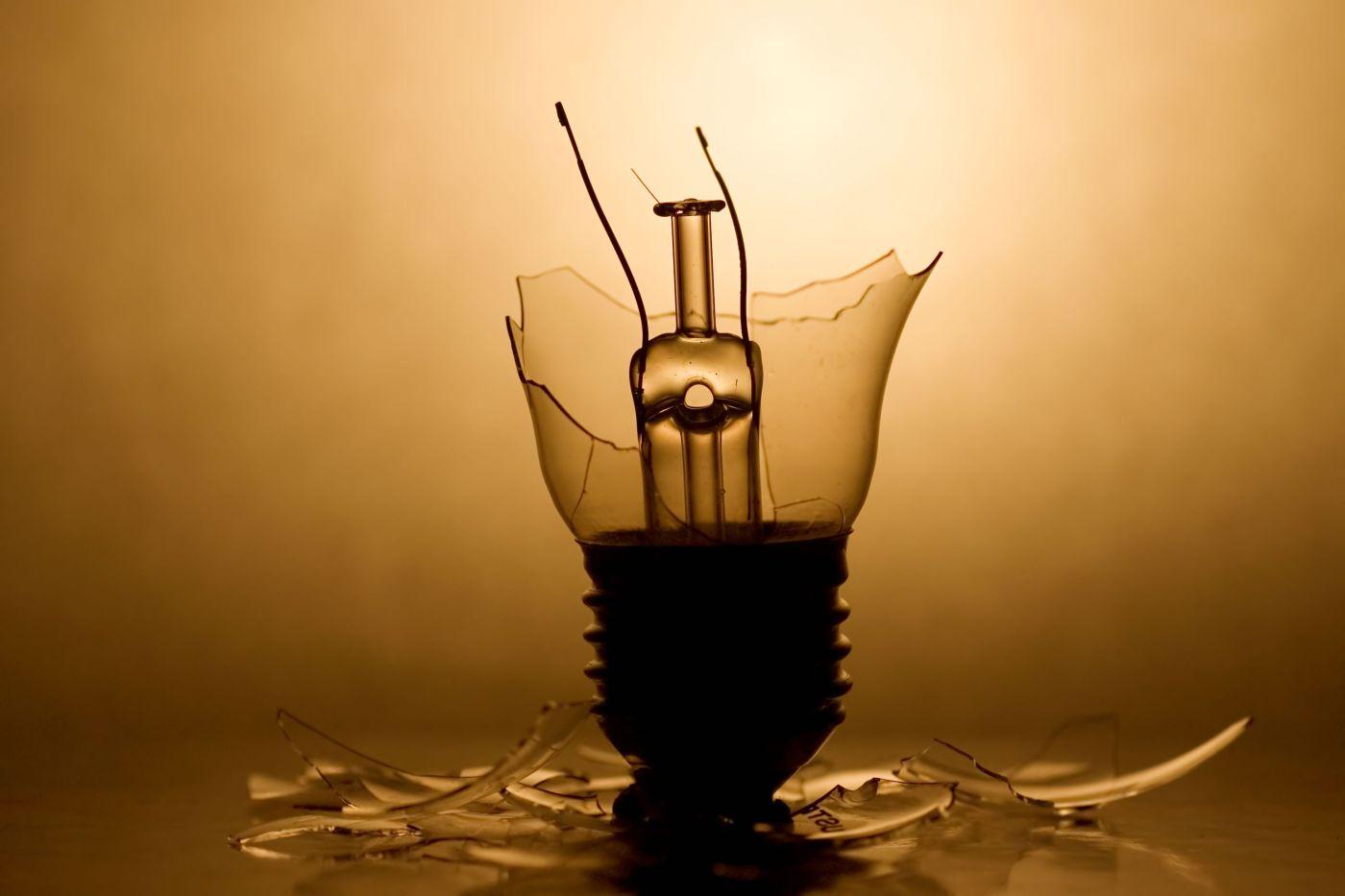 broken-bulb-240473_high1